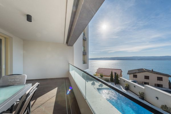 The apartment for sale on the Omis Riviera has a beautiful sea view. Property with sea view - Panorama Scouting