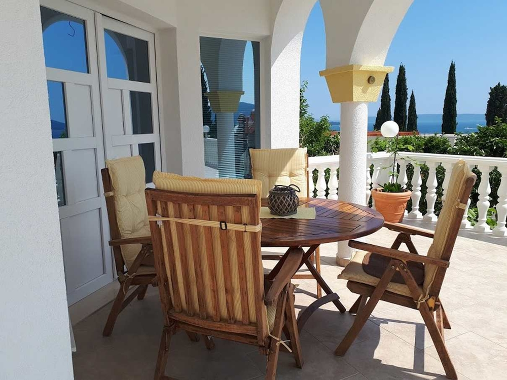 Another picture of the terrace of the apartment near the sea for sale in Croatia near Trogir. Realtor Croatia - Panorama Scouting