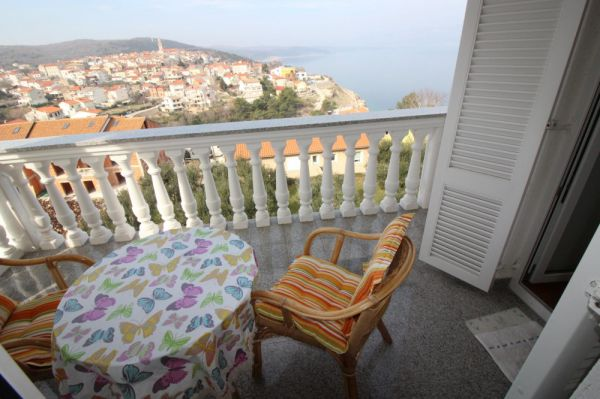 Furnished apartment in Vrbnik on the island of Krk for sale.