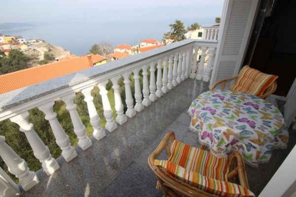 Balcony with sea view of the property A1233 on the island of Krk in Vrbnik.