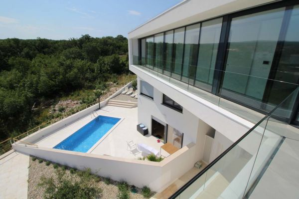 The new penthouse for sale on Krk also has its own swimming pool and garden