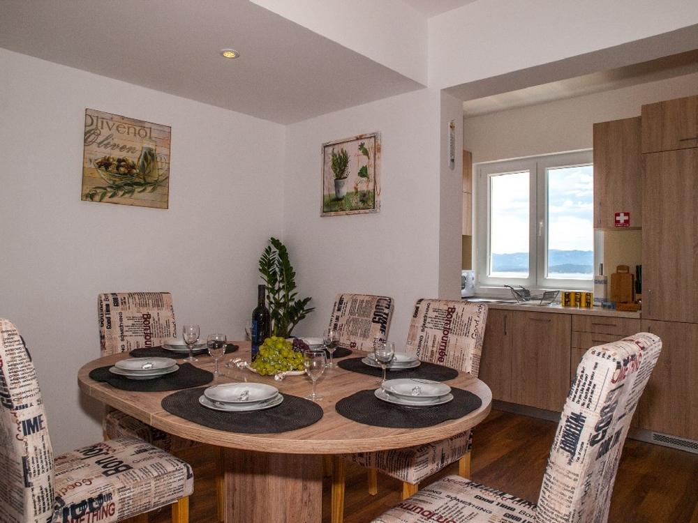 Dining area of ​​apartment A1277 in Bol, island Brac.