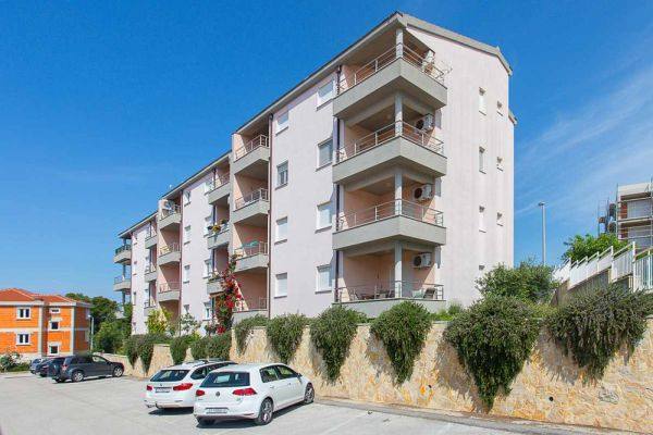 Residential house with apartment with sea view for sale in Croatia, Trogir.