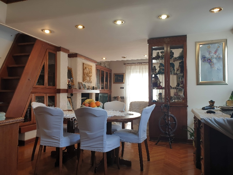 Dining area of ​​the property