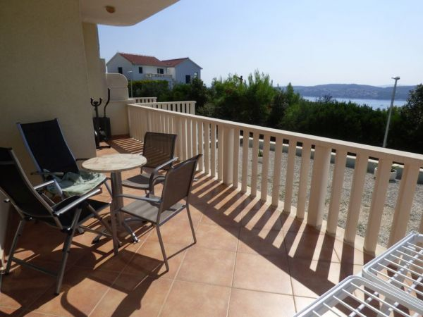 Large terrace with sea view - Real Estate Croatia - Panorama Scouting.