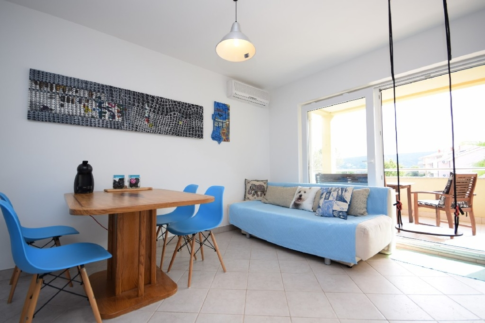 Furnished apartment in an attractive location on the island of Krk, Soline region in the northeast.