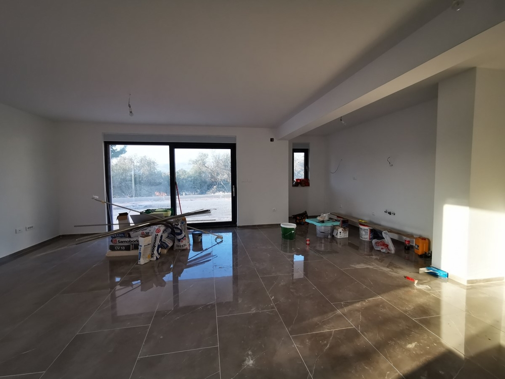 Open living and dining area with kitchen - open and modern space concept of property A1541 on Ciovo, Croatia.