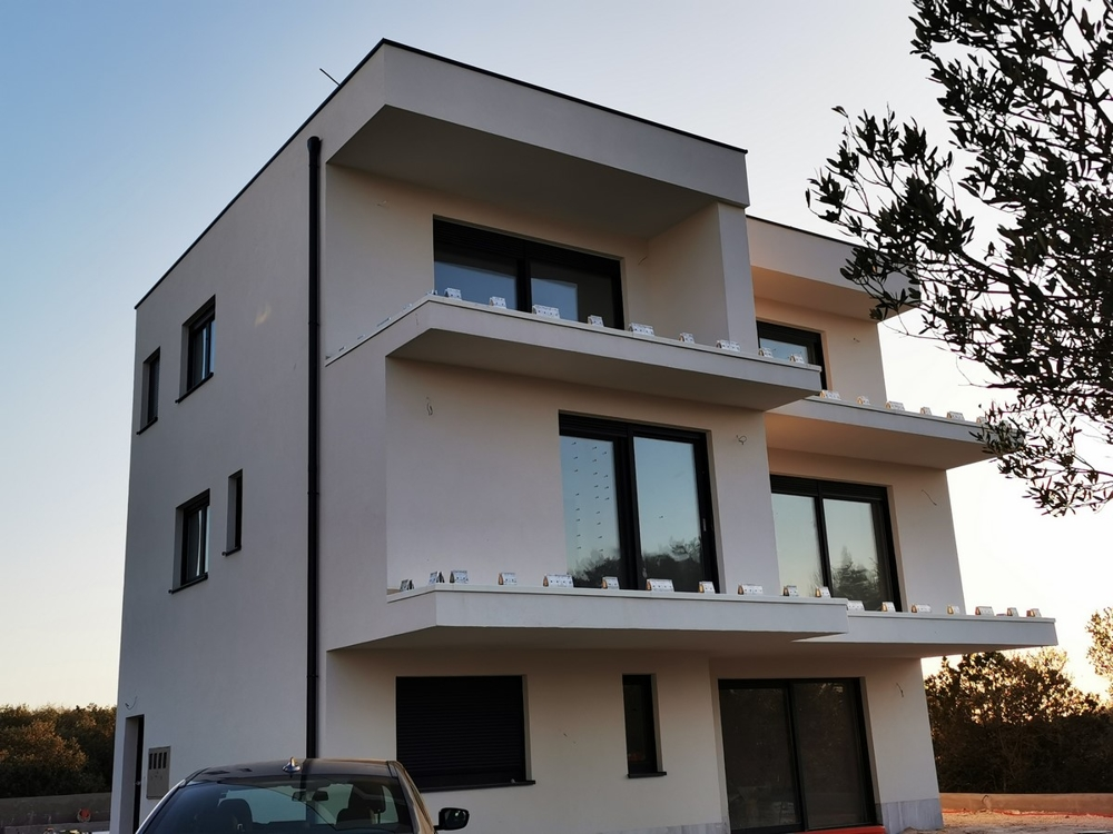 Frontal view of the new A1541 building in Dalmatia, Ciovo Island.