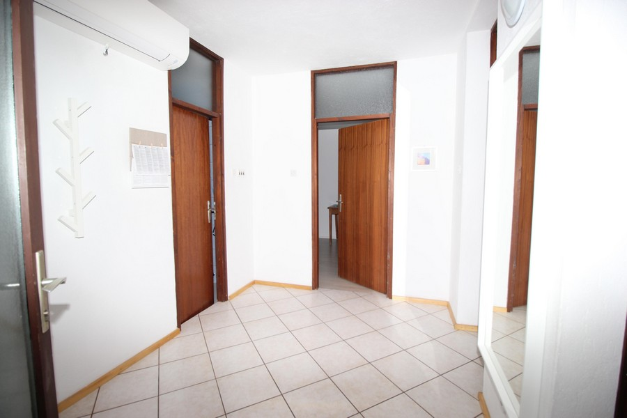 View of the entrance area and the hallway of the apartment A1682, Croatia.