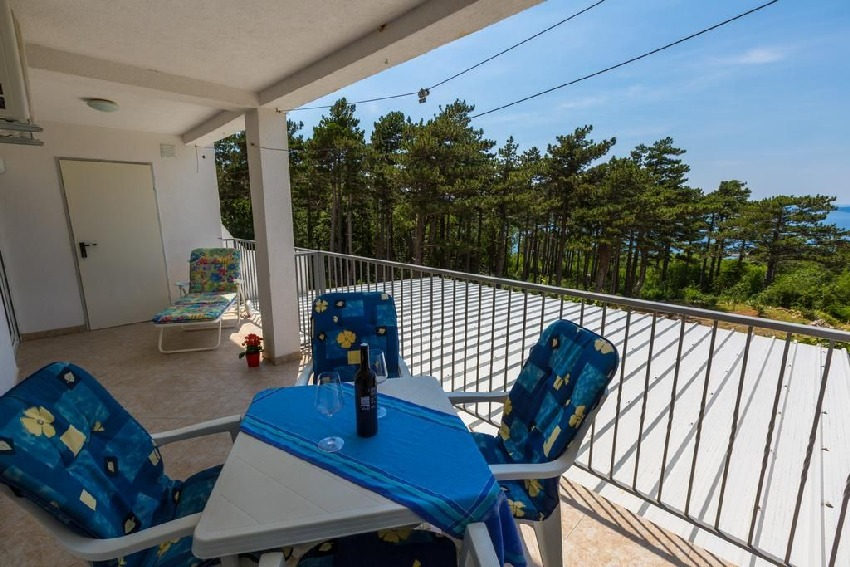 Apartment with balcony and sea view for sale in Croatia - Panorama Scouting GmbH.