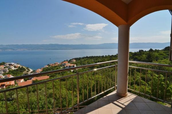 Apartments with sea view in Croatia for sale - Panorama Scouting GmbH, Real Estate Croatia.