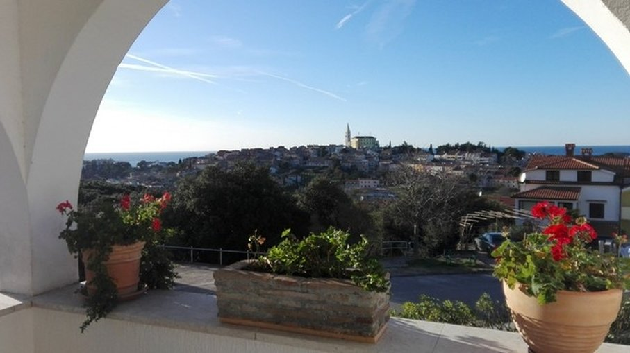 Property with sea view - Apartment in Vrsar, Croatia for sale.