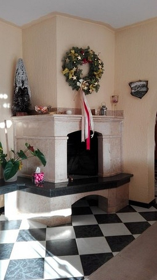 Fireplace in the living area of ​​A854.