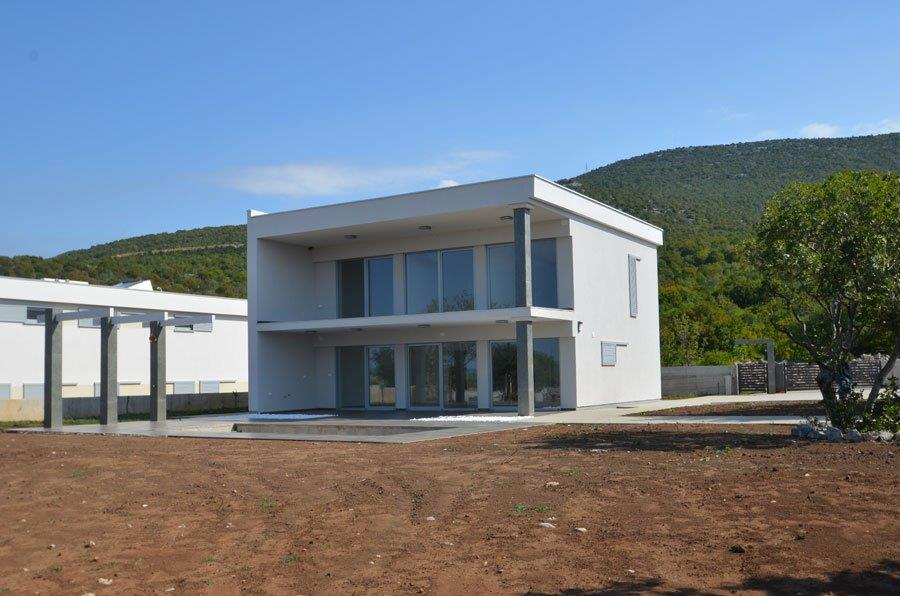 This is the outside view of the seaside villa for sale in Novi Vinodolski, Kvarner