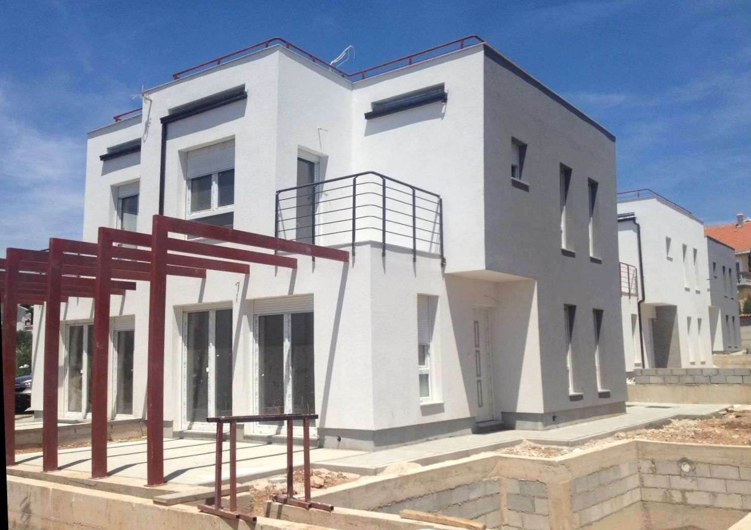 vodice dalmatia semi detached house with roof terrace each semi detached house owns a part of the garden