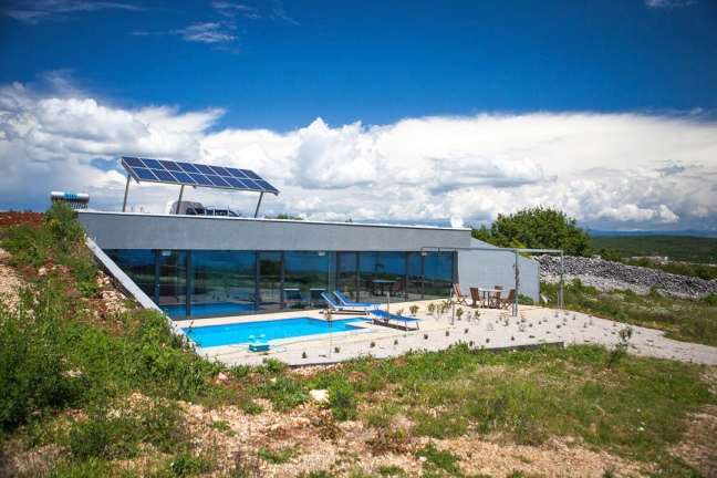 For Sale: villa with swimming pool in modern architecture in the northern part of Croatia.