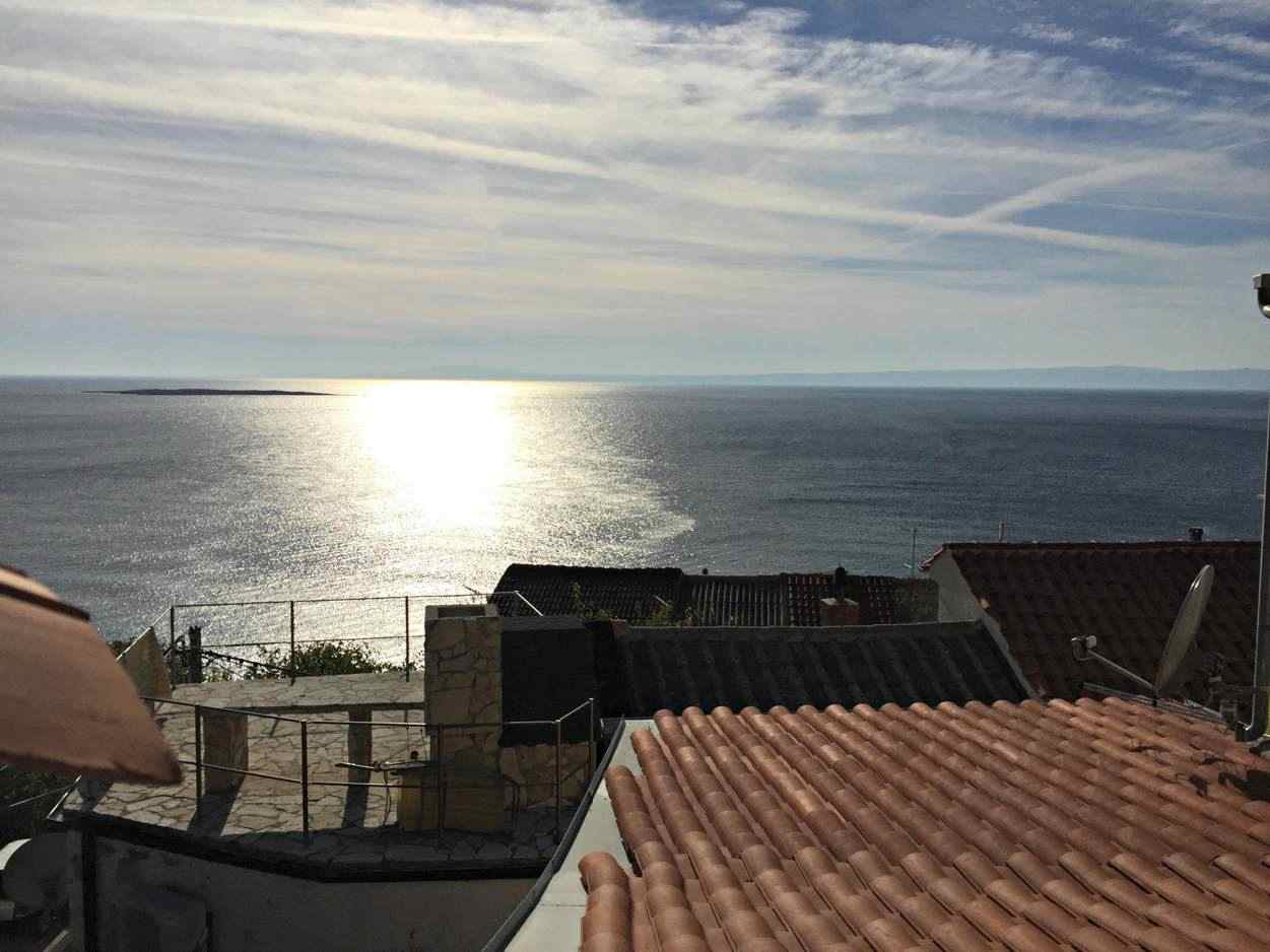 The townhouse on Krk offers a wonderful view of the sea. Properties with sea views - Panorama Scouting