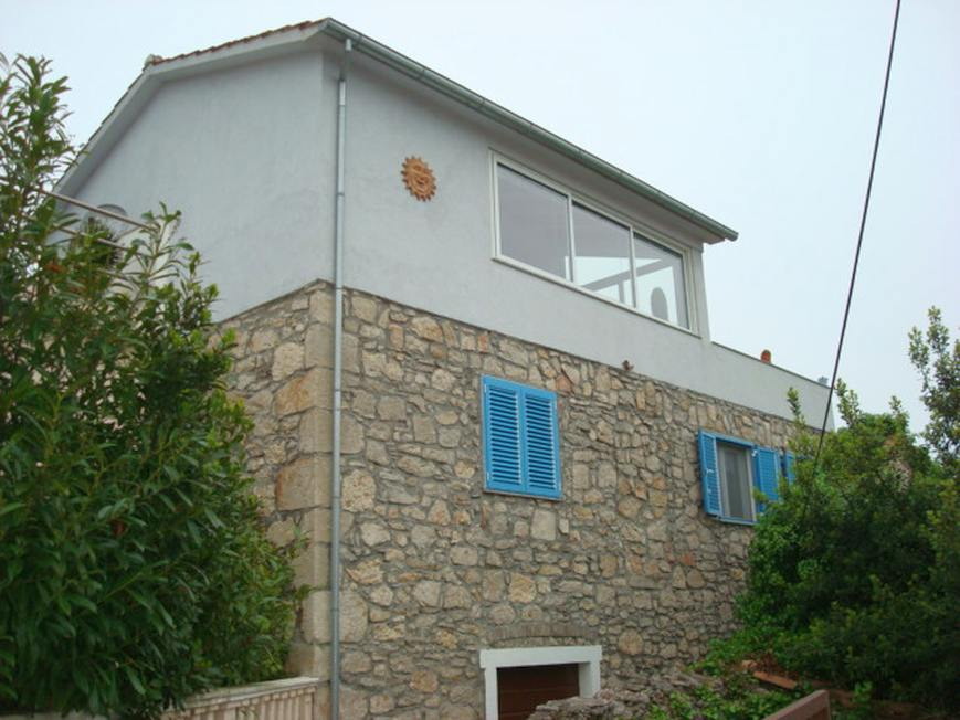 Stone house with guest house for sale in Croatia, Dalmatia, island of Ugljan.