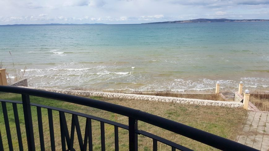 Fantastic views across the sea and the beach - property H502 Croatia.