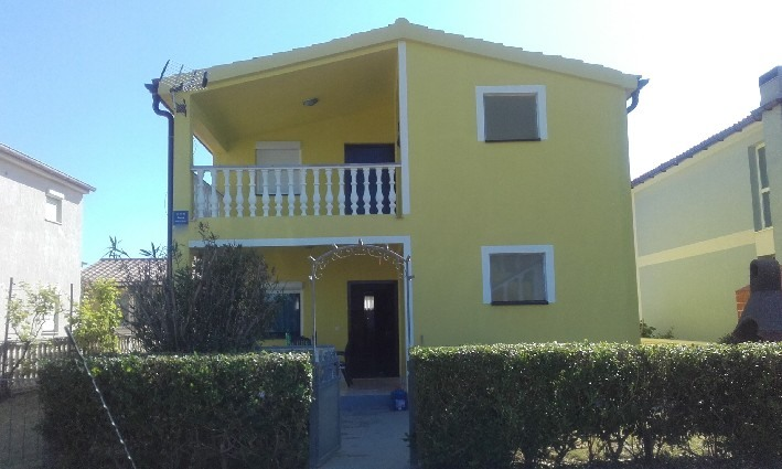 House near the sea for sale in Croatia near the city of Zadar.