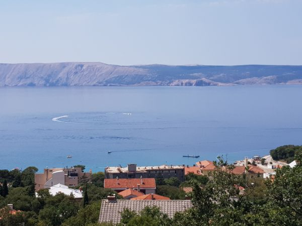 The sea view from the apartment house in Novi Vinodolski, which is for sale. Property with sea view - Panorama Scouting