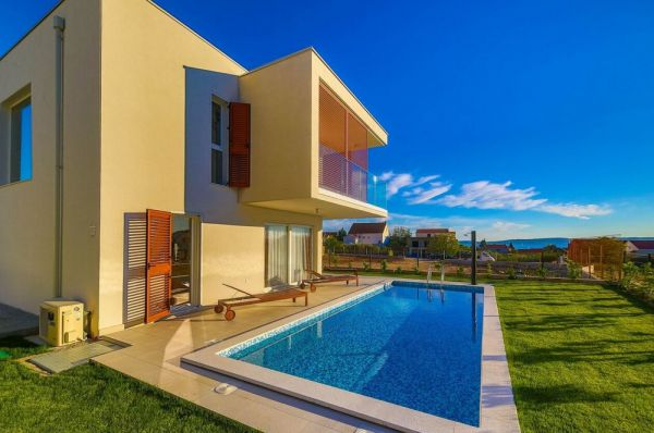 Modern villas in the Kastela region near Split in Croatia for sale.