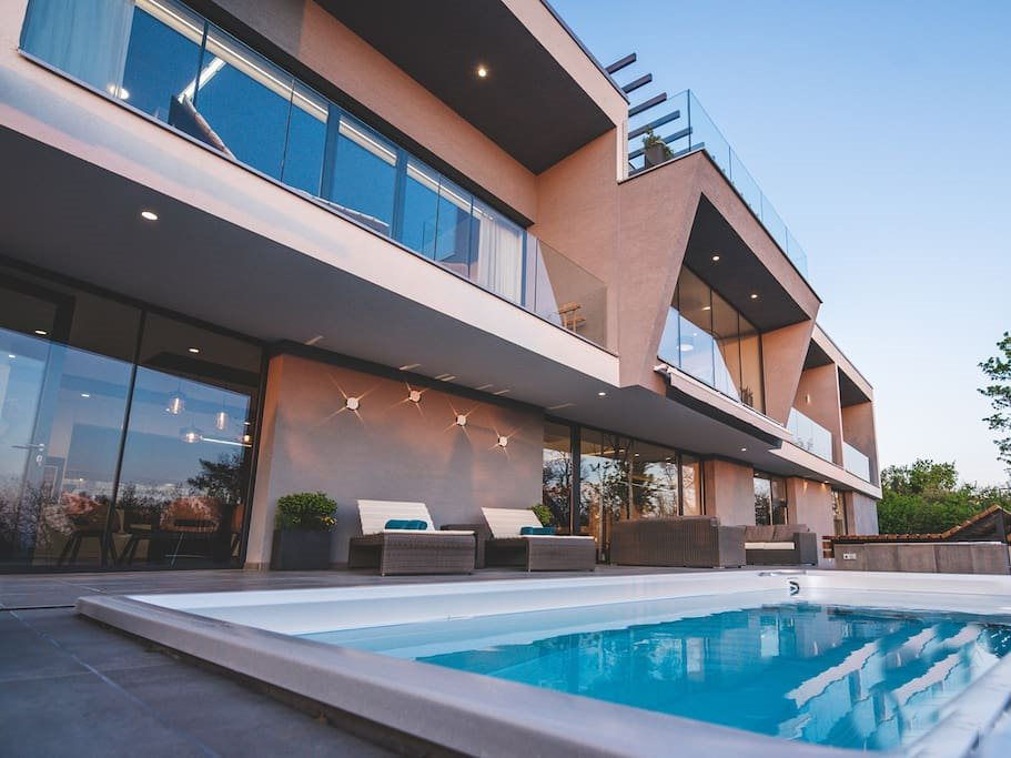 Luxury villa with swimming pool in Croatia for sale - Panorama Scouting GmbH.