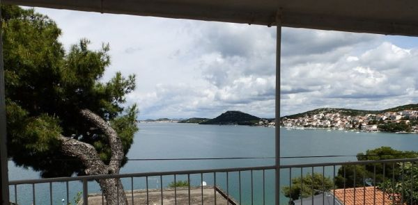 Cheap house with sea views in Croatia in Tisno for sale.