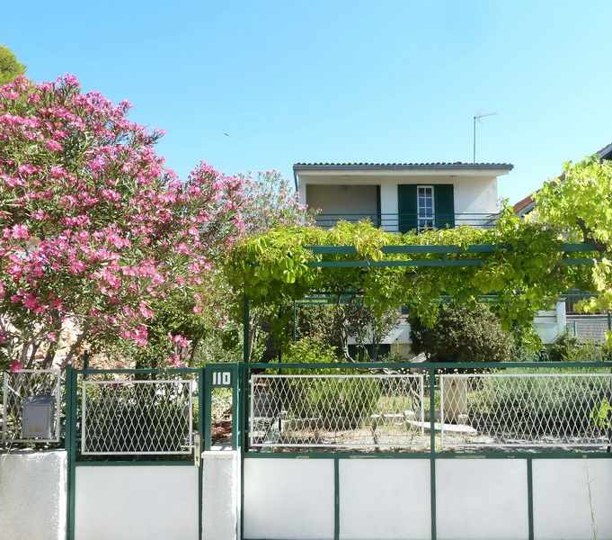 House near the sea for sale in Croatia in the region Sibenik, Dalmatia.