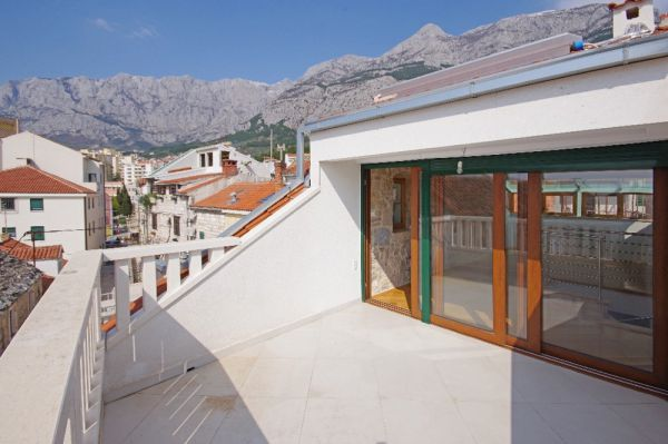 Townhouse in traditional style for sale in Croatia - H1242 in Makarska.