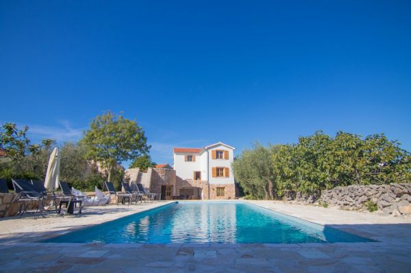 Large property in Croatia on the island of Krk buy - Panorama Scouting GmbH.