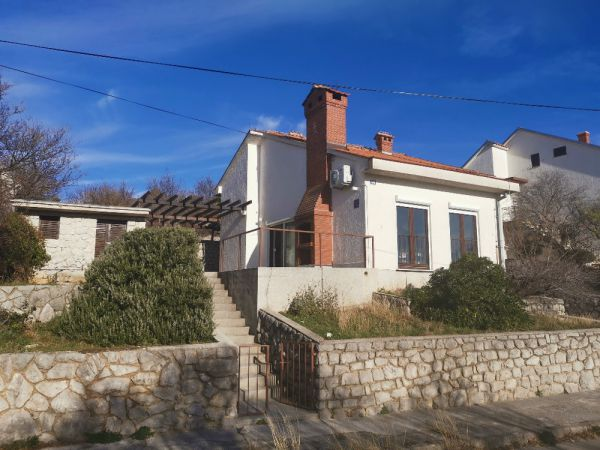 Buy an affordable house in Croatia near the sea, Panorama Scouting GmbH.