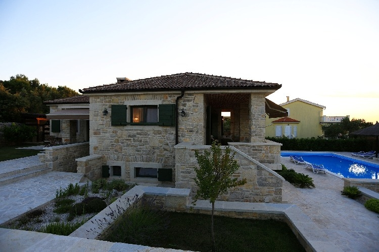 Mediterranean villa for sale in Croatia on the island of Pasman, Dalmatia.