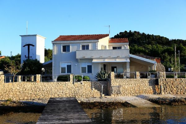 Large property by the sea in Croatia for sale - Panorama Scouting GmbH.