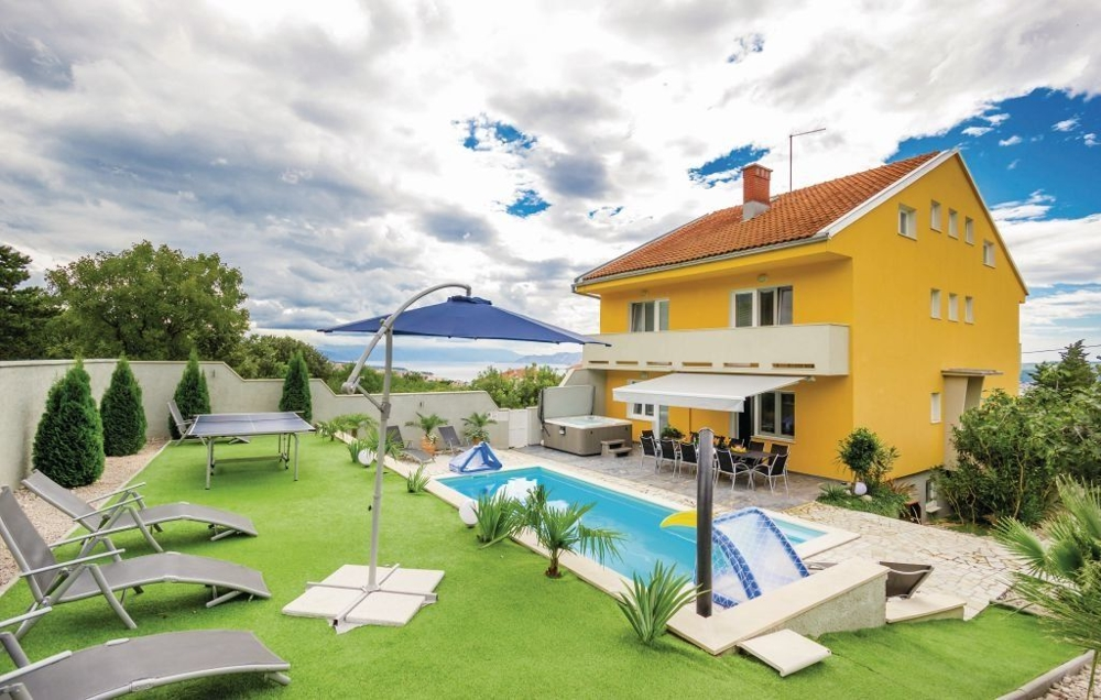 Spacious house for sale in Croatia - Panorama Scouting.