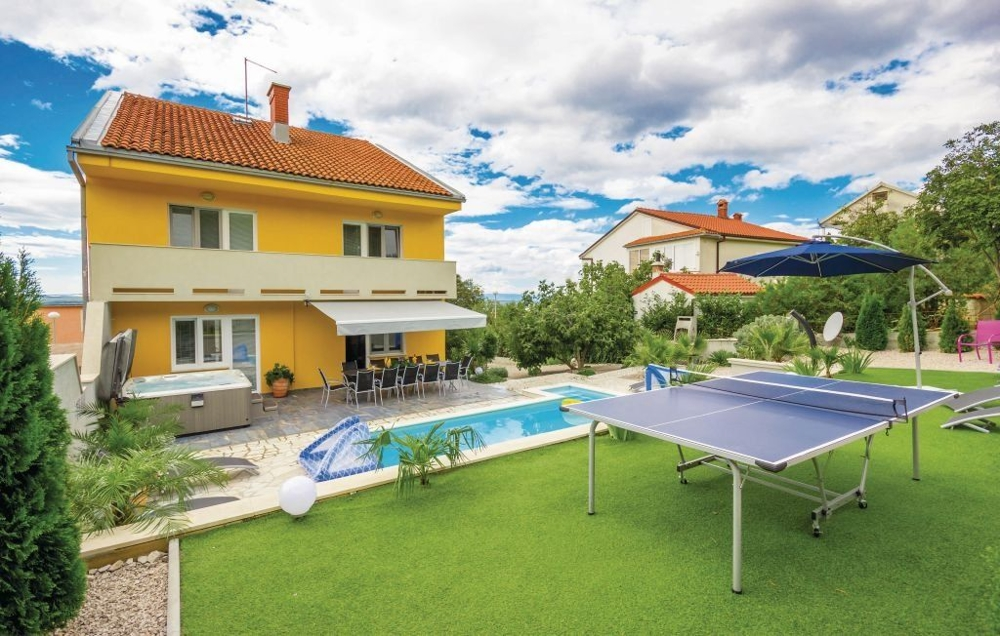 House with pool in Crikvenica, Croatia - Panorama Scouting GmbH.