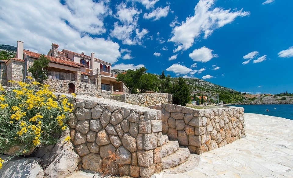 The luxury villa directly by the sea for sale in Croatia, at Starigrad in Dalmatia