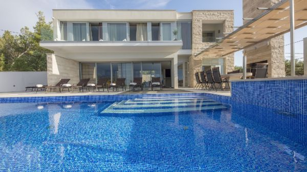 Whirlpool for 6 persons - Real Estate Croatia - H512 - Panorama Scouting.