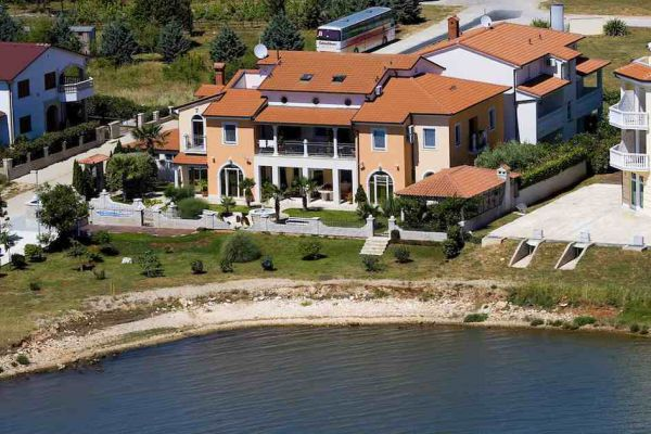 Real Estate Croatia - seafribt villa in Istria for sale