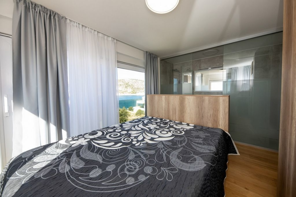 Bedroom with sea view.