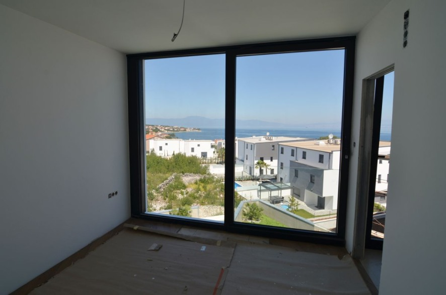 High quality terraced house on the island of Krk in the north of the Croatian coast for sale.