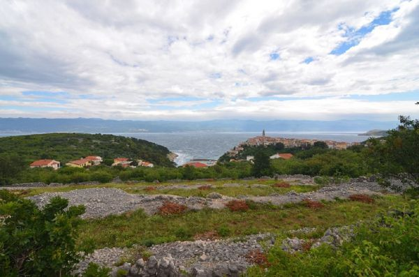 Building plot in Vrbnik on the island of Krk for sale - Panorama Scouting.