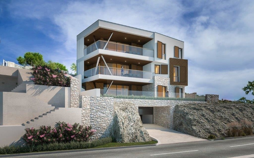 High quality new build villa directly on the sea in the marina.