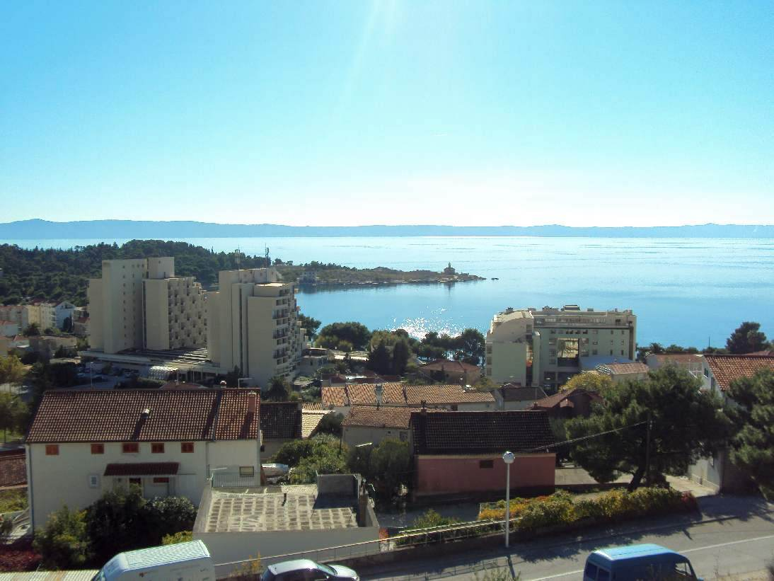The view from the balcony of the apartment for sale in Makarska, Dalmatia. Properties with sea views - Panorama Scouting