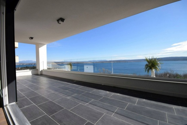 Spacious balcony of the apartment A422 in Crikvenica, Real Estate Croatia - Panorama Scouting.