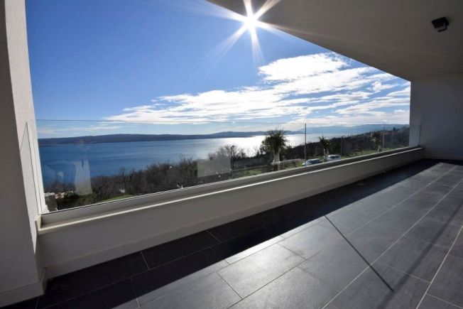 Properties in Croatia - Apartment A422 in Crikvenica with panoramic sea views for sale.