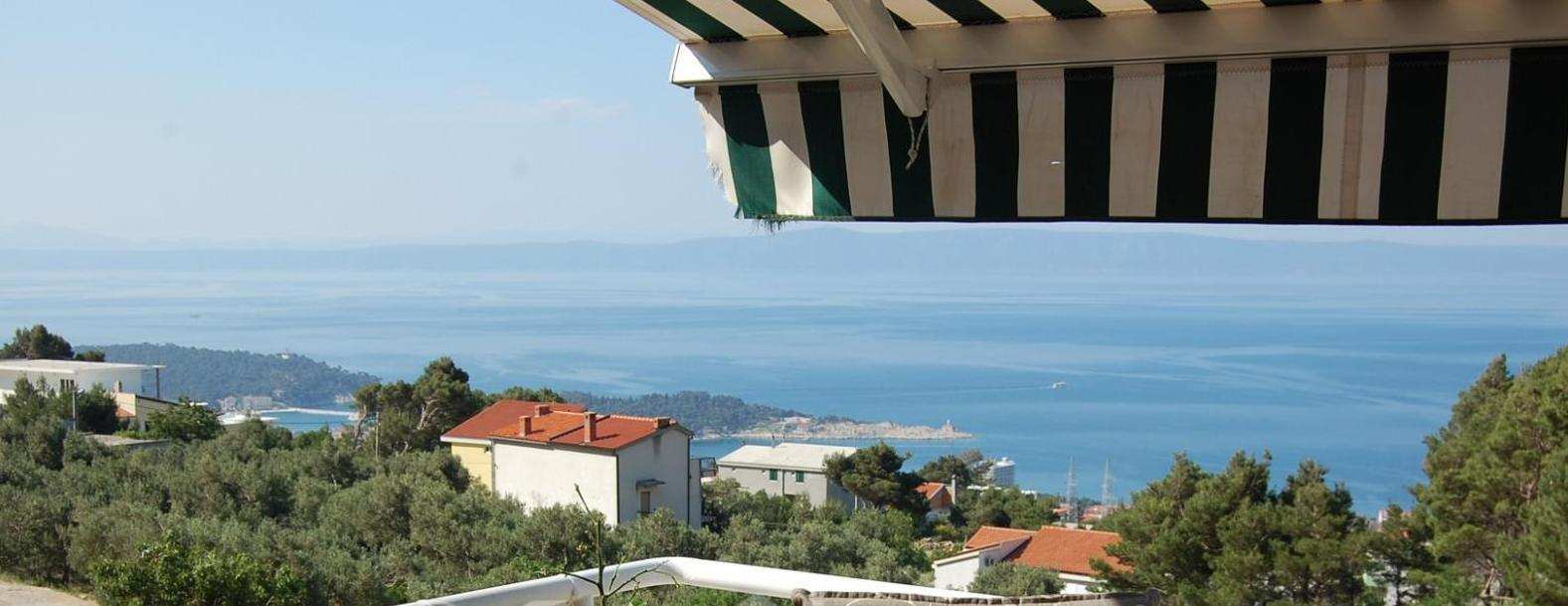 The view from the balcony of the apartment for sale in Dalmatia. Estate Croatia with sea views - Panorama Scouting