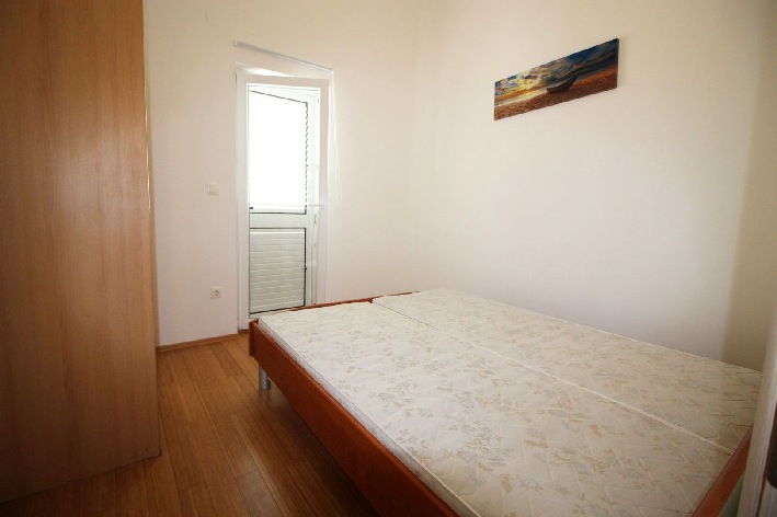 One of the bedrooms of apartment A580 on Krk.